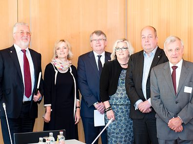Chris Vigar, Manager Sophie Kerschen, Robert Deed, Alison Macleod, Patrick Birden & Manfred Zisselsberger (l.t.r.)