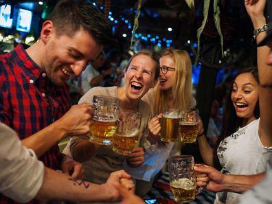 """L'atmosphère chez """"Schwarzwald Christel"""" (Christel de la Forêt Noire) rappelle celle de l'Oktoberfest de Münich."""