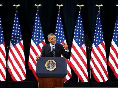 Vor den Schülern einer Highschool verteidigte Obama sein Konzept.