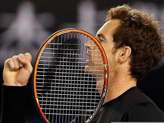 Andy Murray a laissé passer l'orage avant de distancer un Thomas Berdych qui a perdu ses moyens