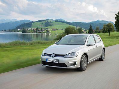 Nachzügler aus Wolfsburg: Mit etwas Verspätung bringt jetzt auch VW zu Jahresbeginn seinen ersten Plug-in-Hybrid auf den Markt.