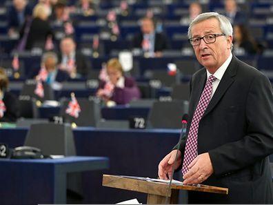 M. Juncker présente son plan pour soutenir la croissance, l'emploi et l'investissement devant les eurodéputés, le 26 novembre 2014 à Strasbourg