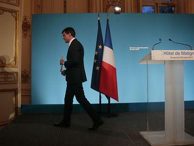 Le Premier ministre, Manuel Valls, après sa déclaration depuis l'Hôtel Matignon, dimanche 29 mars 2015