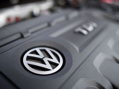 Employees had been given until Monday to come forward to testify without fear of repercussions on the part of VW