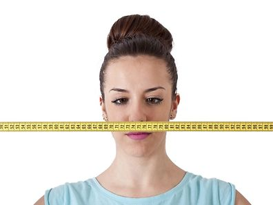 Seulement 20% des femmes résistent au grignotage du soir et presque toutes ne se privent pas de consommer les recettes bien caloriques d'antan.