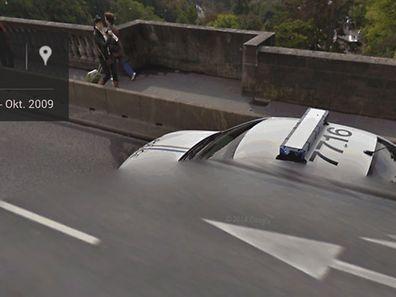 Versuchen Sie mal einen Polizeiwagen zu fotografieren!