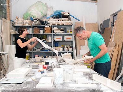 Martine Feipel  et Jean Bechameil dans leur atelier eschois.