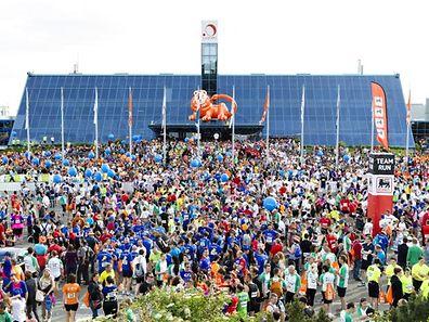 Leichtathletik ING Night Marathon 31.05.2014 Vor dem Start - Foto: Christian Kemp