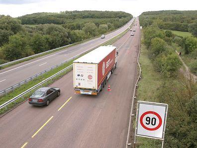 La bande de roulement de l'A31 sera entièrement rebitumée sur 2 km avant la frontière luxembourgeoise d'ici jeudi 21 août.