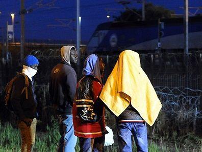 Immer wieder versuchen Flüchtlinge, durch den Tunnel nach Großbritannien zu gelangen.