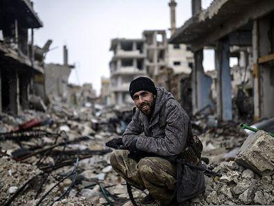 Die Kurden haben Kobane befreit. Zurück bleibt nach den Kämpfen ein großer Haufen Schutt, zahlreiche Gebäude sind zerstört.