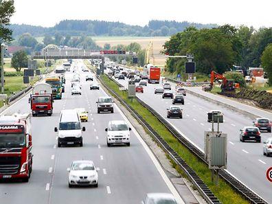 """Die geplante Maut soll den """"kleinen Grenzverkehr"""" nicht beeinträchtigen, so Dobrindt."""