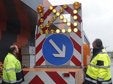 10.2 Report Chantiers Ponts et Chaussees / Warntafel  Foto:Guy Jallay