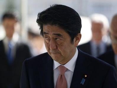 """""""Indigné au plus haut point"""", le Premier ministre japonais, Shinzo Abe a exigé la libération """"immédiate"""" des otages"""
