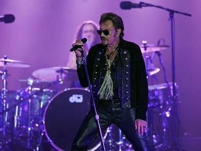 Un concert prévu samedi soir à Bruxelles de la star de la chanson française Johnny Hallyday a été annulé à la suite des menaces d'attentats pesant sur la région bruxelloise.