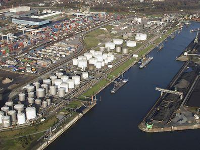 Auch der Hafen von Antwerpen ist wegen der Streikationen blockiert.