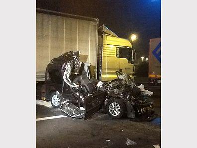 Das Auto des Fahrers auf der Aire de Berchem wurde komplett zerstört.