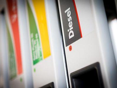 Shell -  Kontroll Besinspompelen - Differdange - Tankstelle - Photo : Pierre Matge