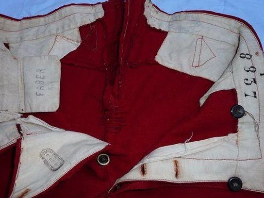 Die Hose der französischen Armee, die François Faber einmal gehörte, und die erst 2010 gefunden wurde.