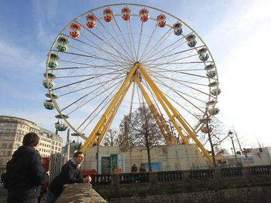 The big wheel in Place de la Constitution