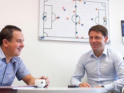 """Discussion à bâtons rompus entre Luc Holtz et """"Caza""""."""