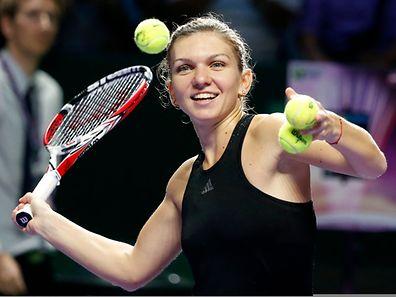 Simona Halep a dominé Agnieszka Radwanska pour atteindre la finale.