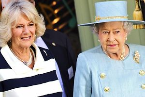 Herzogin Camilla (l) und Queen Elizabeth in London. Foto: Kerim Okten