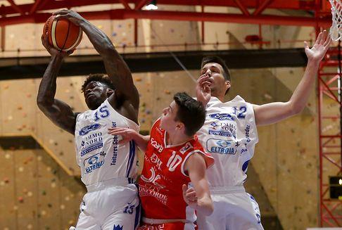 Basketball: Etzella zeigt mentale Stärke