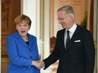 Nach dem Treffen mit der Kommission wurde die Kanzlerin vom belgischen König Philippe empfangen - in sichtlich entspannter Atmosphäre.