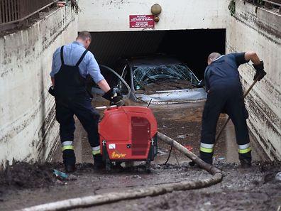 Les opérations de secours et déblaiement se poursuivent après les terribles orages.
