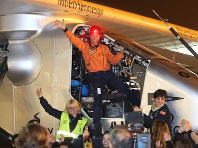 Le pilote suisse Bertrand Piccard lors de son atterrissage au Nanjing's Lukou International Airport, en Chine, en avril.