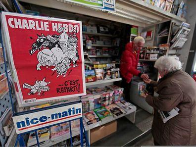 Auch in Nizza verkaufte sich das Heft am Mittwoch wieder.