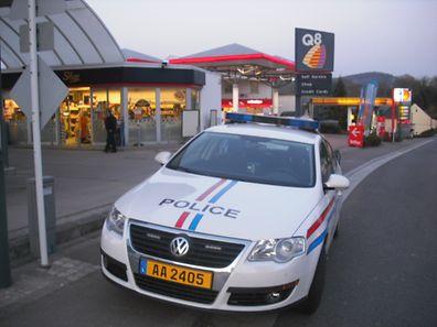 Polizeistreife an einer Tankstelle (Archivfoto).