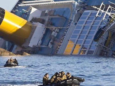 """32 Menschen starben beim Kentern der """"Costa Concordia"""" im Januar 2012."""