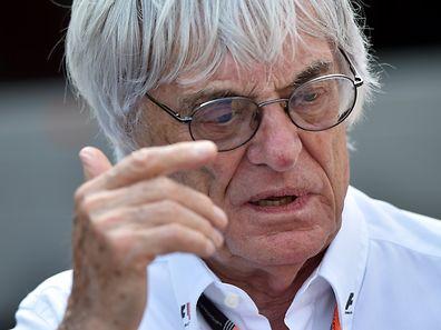 """""""Diese Woche werden wir wissen, welchen Weg wir einschlagen. Hoffentlich wissen wir dann auch, ob Renault sie übernehmen wird oder was passieren wird"""", wird Ecclestone von motorsport.com zitiert."""