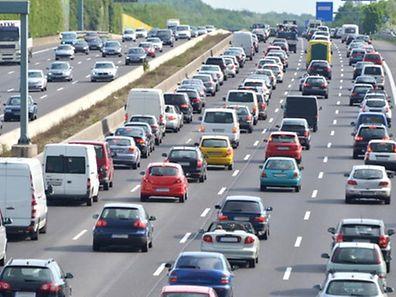 Stau, Autobahn, Autos, Maut, Pkw-Maut (Foto: Shutterstock)