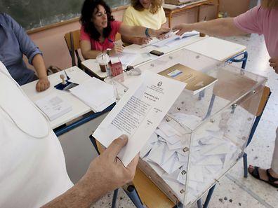 """Erste Prognosen gehen von einer Mehrheit von """"Nein""""-Stimmen aus."""