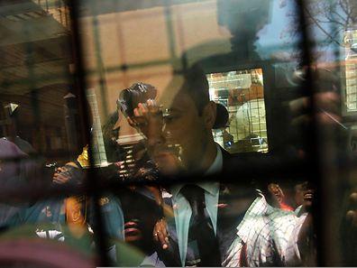 Oscar Pistorius verließ in einem Polizeivan das Gerichtsgelände.