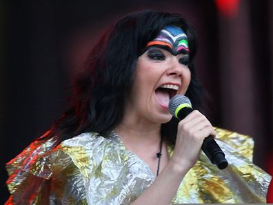 Björk wird ihr neues Album im März live vorstellen.