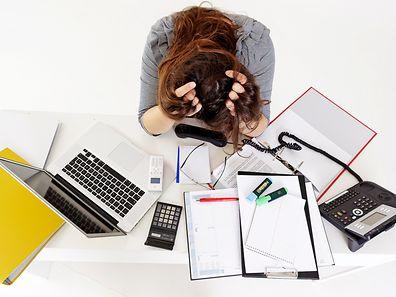 Aus ADHS wächst man nicht einfach heraus. Betroffene können im Job Probleme bekommen, weil etwa Projekte nicht fertig werden.