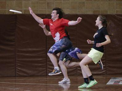 Beim Ultimate Frisbee ist auch Schnelligkeit gefragt.