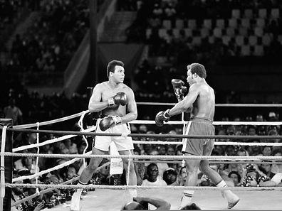 Mohamed Ali (à gauche) face à George Foreman à Kinshasa. Un combat devenu mythique!