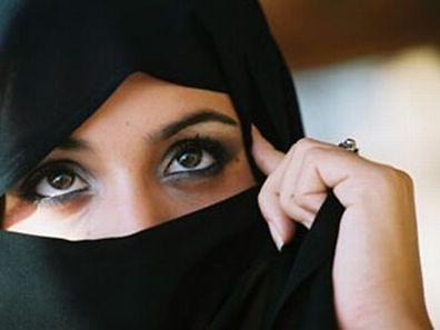 Auch Frauen aus Europa werden vom Islamismus in seinen Bann gezogen
