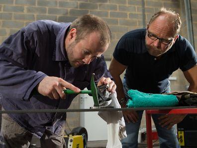Im Atelier: Bernie Klein (l.) und Georges Christen.