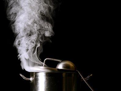 Gemüsebrühe lässt sich schnell selber kochen.