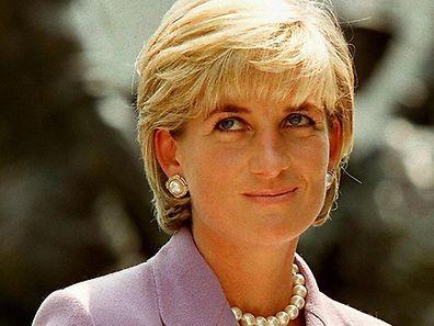 Die modebewusste Diana, Princess of Wales, war eine Silikone