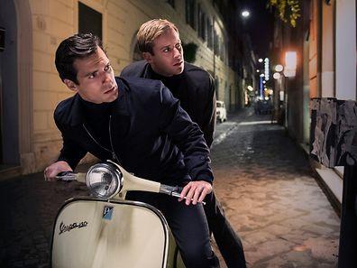 Unerwartetes, aber gewinnendes Duo: Napoleon Solo (Henry Cavill, l.) und KGB-Kollege Illiya Kuryakin (Armie Hammer).
