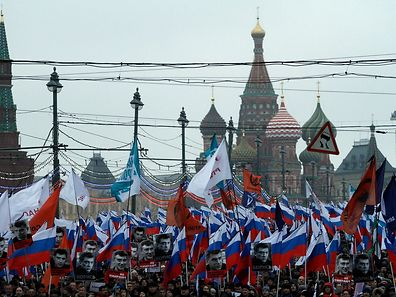 Russia's opposition supporters march in memory of murdered Kremlin critic Boris Nemtsov in central Moscow on March 1, 2015.