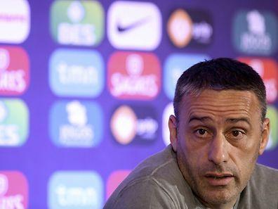 Paulo Bento contava apenas com o apoio de Fernando Gomes