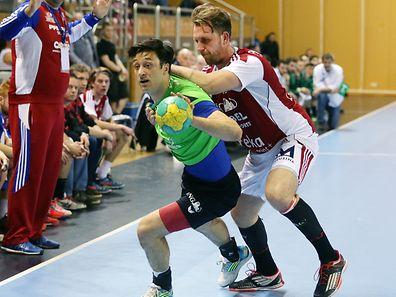 Vladimir Temelkov (v) und der HB Käerjeng können weiterhin vom Titelgewinn träumen.